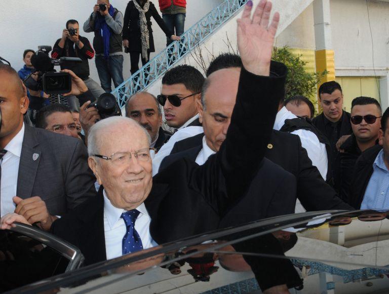 Τυνησία: Ο 88χρονος Εσέμπσι είναι ο νικητής των εκλογών   tovima.gr