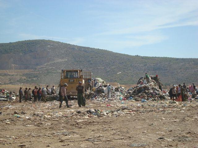 Με τροπολογία διευκολύνεται η μεταφορά αποβλήτων δια θαλάσσης | tovima.gr