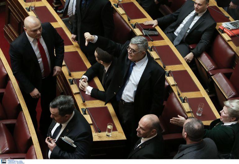 Στη Βουλή η δικογραφία για τις ηχογραφημένες συνομιλίες Μιχαλολιάκου   tovima.gr