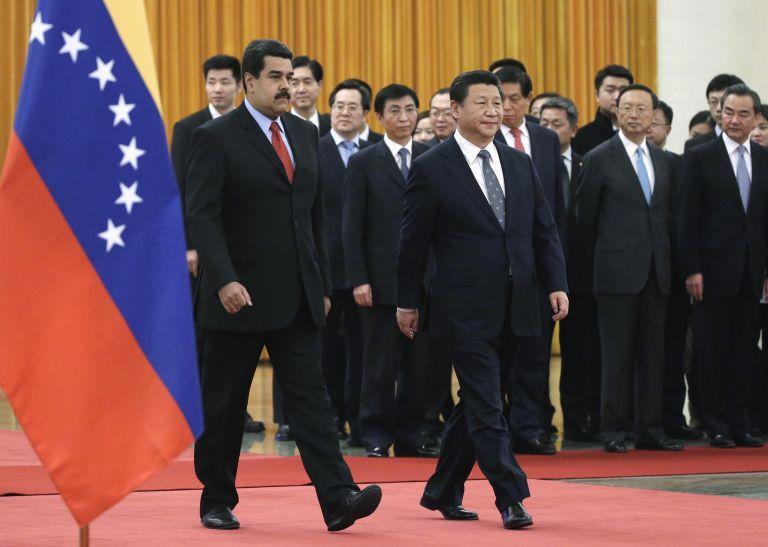 Η Βενεζουέλα θέλει ρευστό, η Κίνα πετρέλαιο | tovima.gr