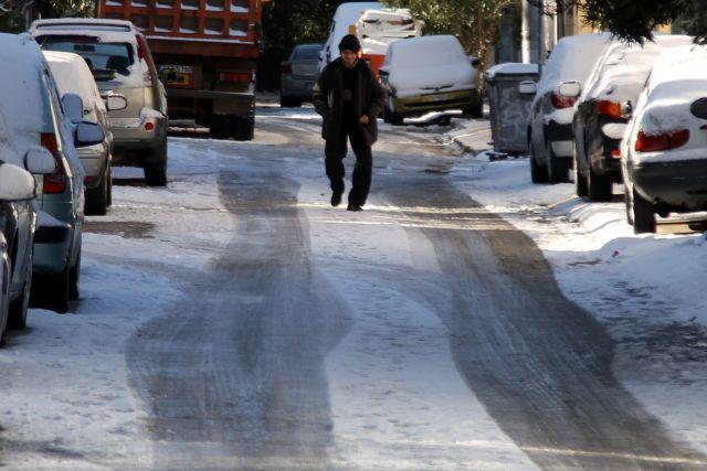 Μικρά προβλήματα στο οδικό δίκτυο – Που χρειάζονται αλυσίδες | tovima.gr