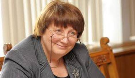 Η Ελλάδα πρέπει να εφαρμόσει το πρόγραμμα λέει η πρωθυπουργός της Λετονίας | tovima.gr