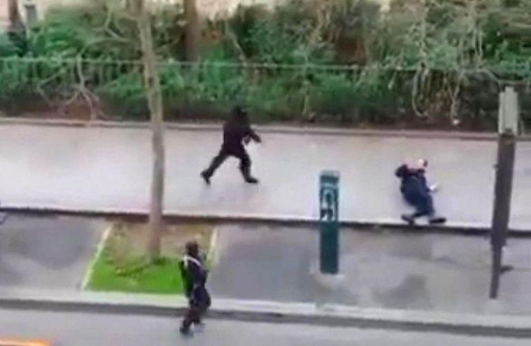 Γαλλία: Παραδόθηκε ένας εκ των δραστών του μακελειού στο Charlie Hebdo | tovima.gr