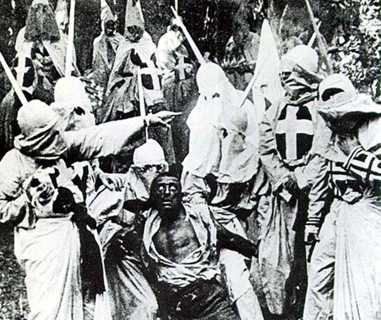 Λευκοί και μαύροι εναντίον τρομοκρατών | tovima.gr