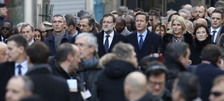 Tweets ξεμπροστιάζουν τους υποκριτές στην πορεία του Παρισιού   tovima.gr