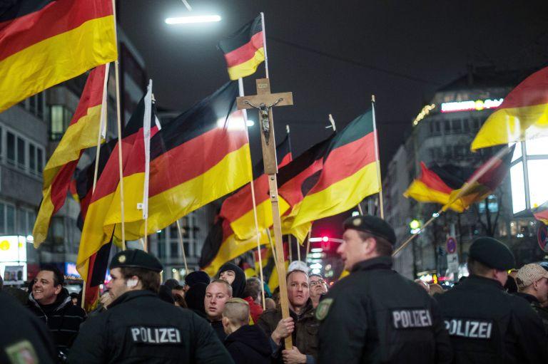 Γερμανία: ρατσιστική ατζέντα με μάσκα πατριωτισμού | tovima.gr