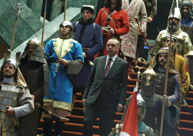 Πώς οι γκιουλενιστές έθρεψαν τις εμμονές του Ερντογάν | tovima.gr
