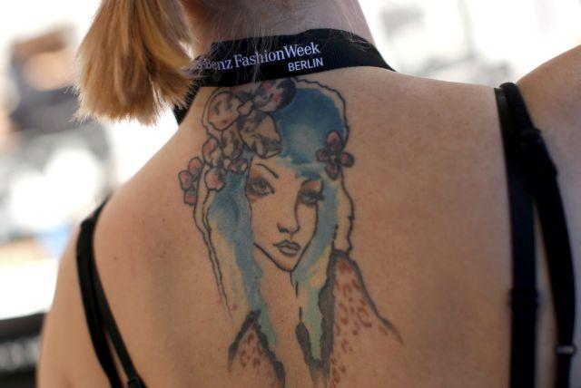 Κρέμα με θεαματικά αποτελέσματα στην αφαίρεση τατουάζ | tovima.gr