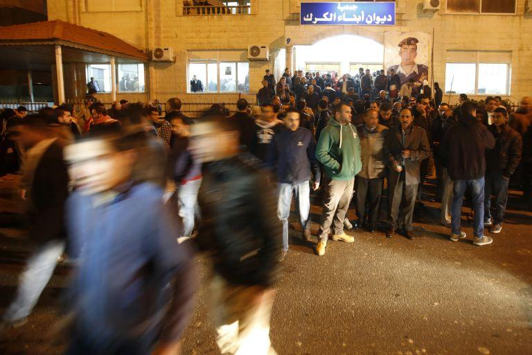 Μετά τον φρικτό φόνο του πιλότου, η Ιορδανία κρέμασε δύο τζιχαντιστές | tovima.gr