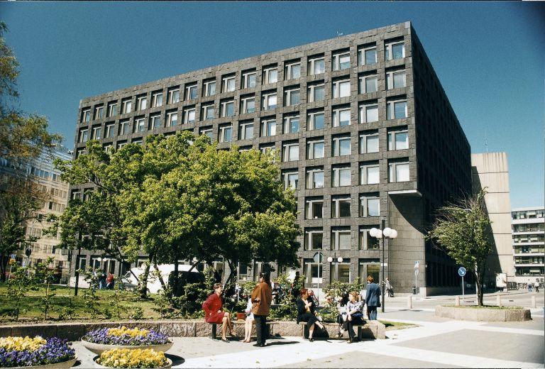 Η Σουηδία σχεδιάζει να επιβάλει νέο φόρο στις τράπεζες της χώρας   tovima.gr