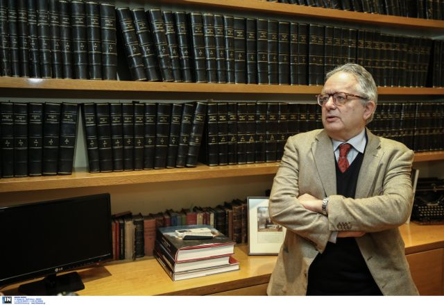 Νίκος Αλιβιζάτος: «Σε περιόδους κρίσης ο πολιτικός δεν κυβερνά με την αγιαστούρα» | tovima.gr