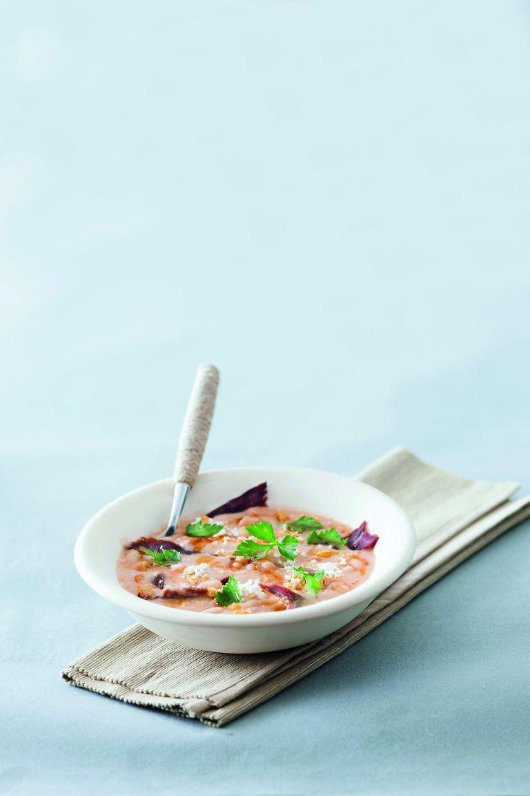 Πικάντικη σούπα φασολιών με παστουρμά | tovima.gr