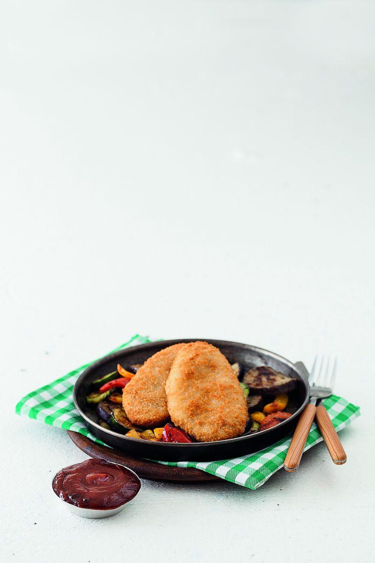Σνίτσελ με ανάμεικτα ψητά λαχανικά | tovima.gr