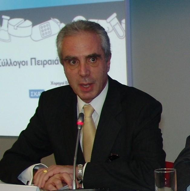 Φαρμάκι κέρασαν οι φαρμακοποιοί τον Κων.Λουράντο | tovima.gr
