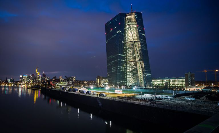 Στα 325,9 εκατ. ευρώ τα εποπτικά τέλη υπέρ της ΕΚΤ   tovima.gr