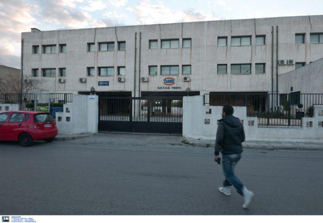 Nursing student in knife attack against three classmates   tovima.gr