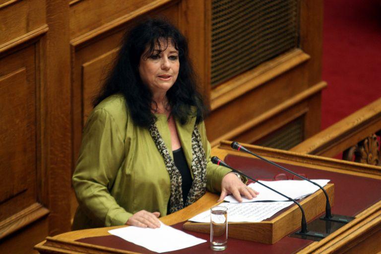 Επεισόδιο με την Αννα Βαγενά στο εντευκτήριο της Βουλής | tovima.gr