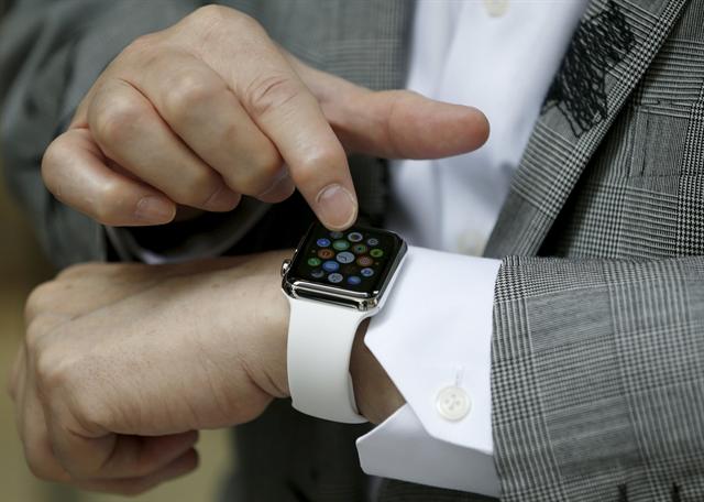Τα «έξυπνα» ρολόγια κερδίζουν έδαφος | tovima.gr