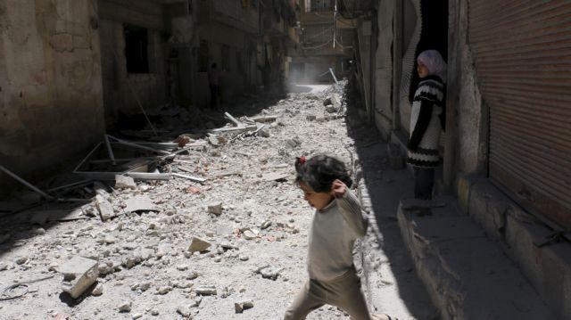 Συρία: Οι κυβερνητικές δυνάμεις βομβάρδισαν πόλη που κατέλαβαν οι αντάρτες   tovima.gr