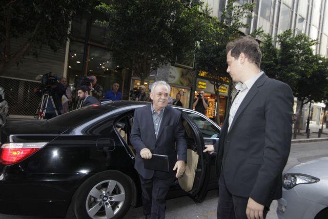 Δραγασάκης: Διαψεύδει ότι χρησιμοποιεί την θωρακισμένη BMW | tovima.gr