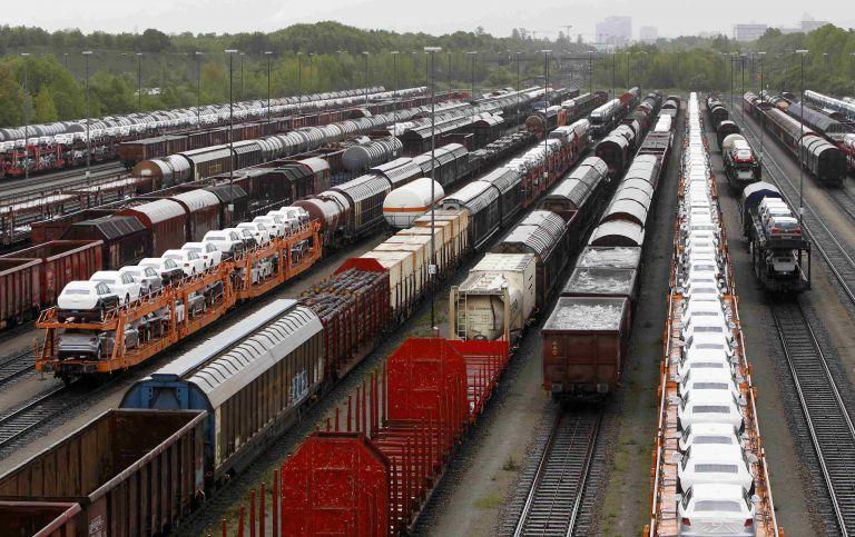 Γερμανία: Συνεχίζουν την απεργία οι μηχανοδηγοί τρένων   tovima.gr