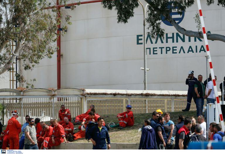 Νεκρός και τρίτος εργάτης από το δυστύχημα στα ΕΛΠΕ | tovima.gr