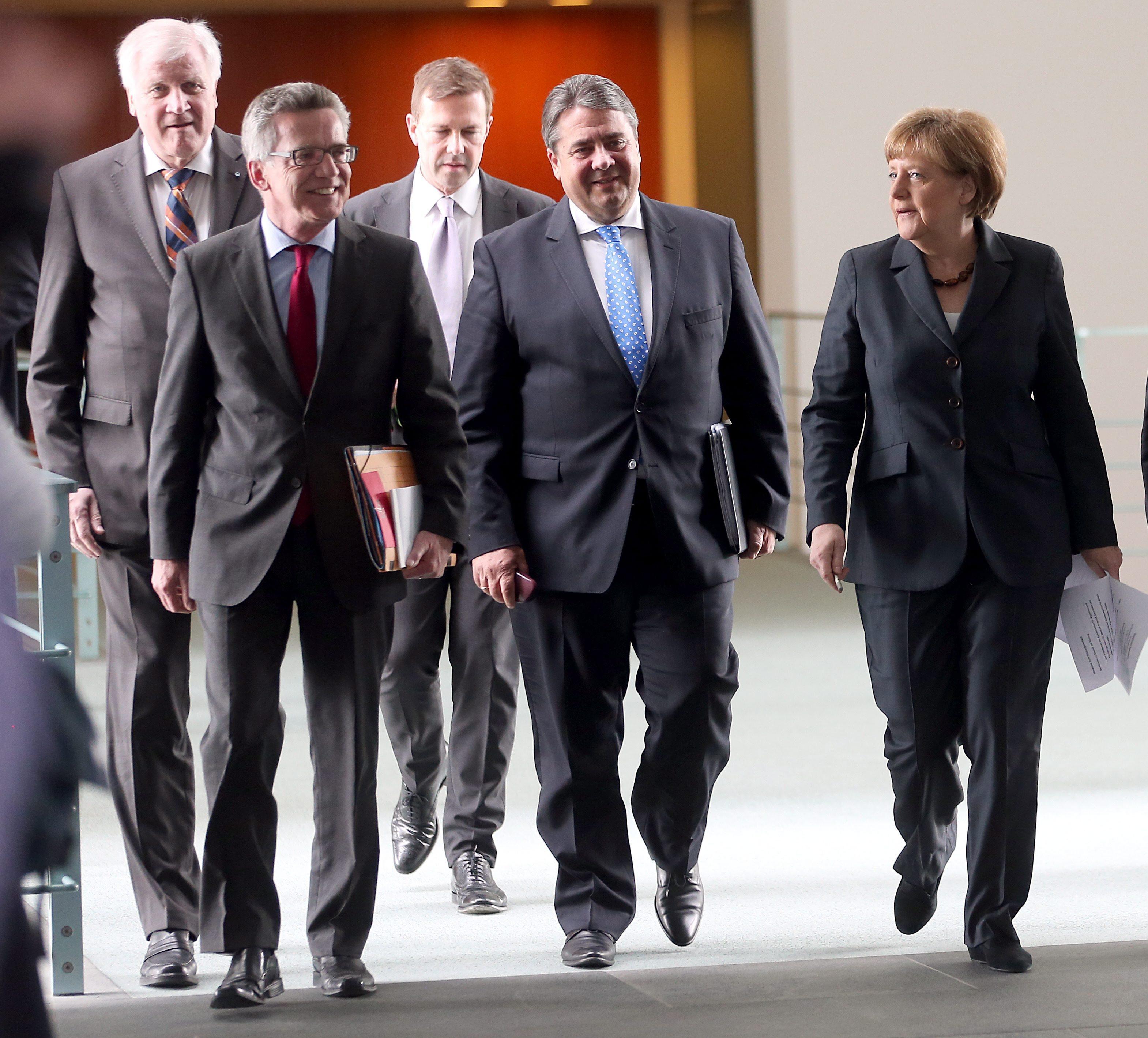 Βερολίνο  «Συζητάμε για το τρέχον πρόγραμμα – για τίποτα άλλο ... 9dfea47c0b2