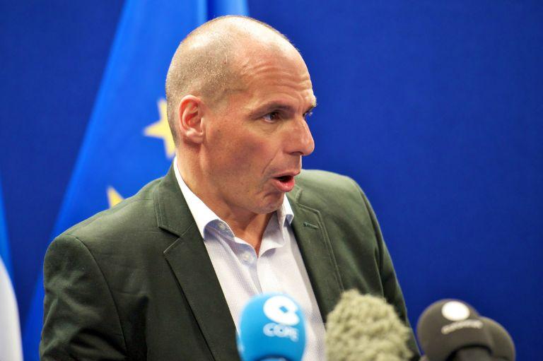 Βαρουφάκης: «Το θέμα είναι να μη χρειαστεί να γίνει Κούγκι» | tovima.gr