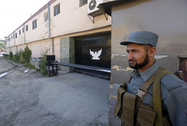 Αιματηρό τέλος ομηρίας σε ξενώνα στην Καμπούλ με ευθύνη Ταλιμπάν | tovima.gr