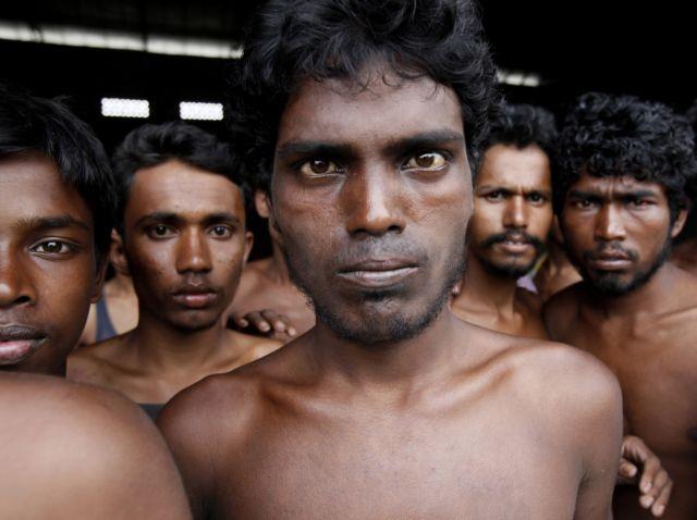 Ινδονησία: Σκηνές σφαγής πάνω σε πλοίο με μετανάστες | tovima.gr