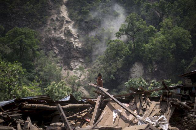 Νεπάλ: Ξεπέρασαν τους 8.500 οι νεκροί από τους φονικούς σεισμούς | tovima.gr
