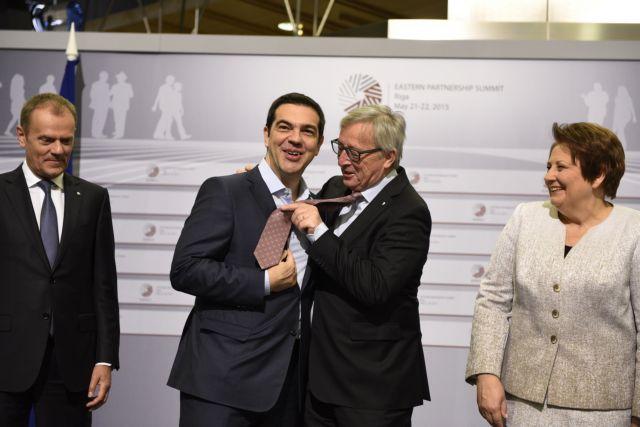 Οταν ο Τσίπρας έβλεπε τις… γραβάτες να περνούν | tovima.gr