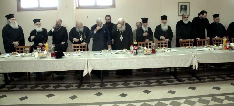 Ιερά Σύνοδος: Εκτροπή της οικογένειας το σύμφωνο συμβίωσης | tovima.gr