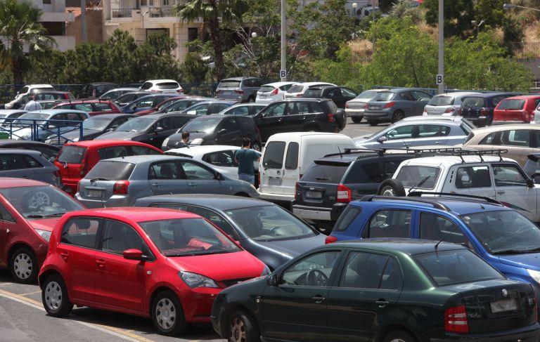 Από τα τέλη κυκλοφορίας τα ισοδύναμα για τον ΦΠΑ στα ιδιωτικά; | tovima.gr