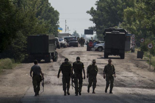 Ποροσένκο: Προειδοποιεί για «εισβολή πλήρους κλίμακας» από τη Ρωσία | tovima.gr