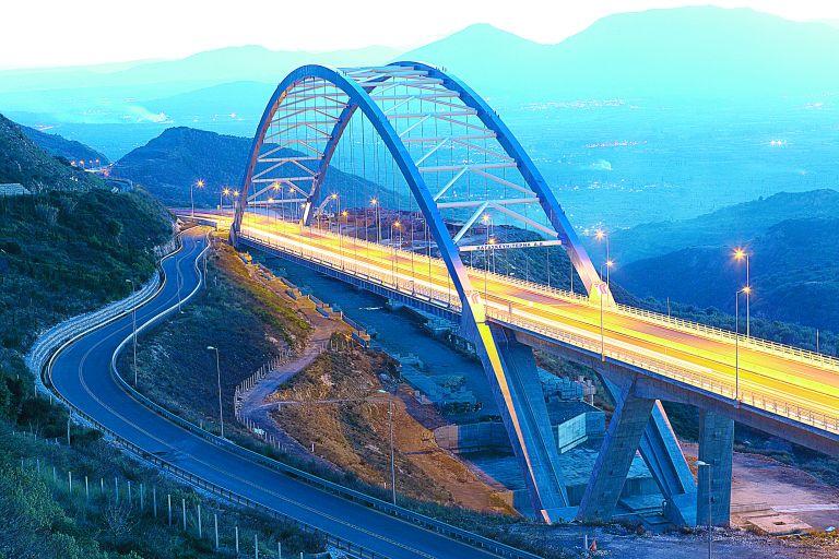 Ομιλος ΓΕΚ ΤΕΡΝΑ: o κυρίαρχος παίκτης σε υποδομές και καθαρή ενέργεια | tovima.gr