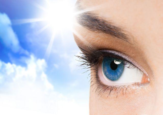 Τα μάτια κινδυνεύουν από τον ήλιο | tovima.gr