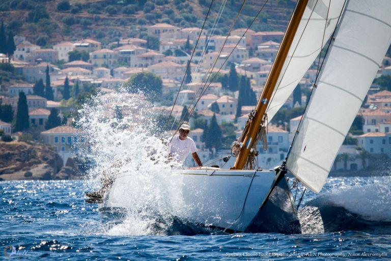 Σπέτσες: 6ος Διεθνής Αγώνας Κλασσικών-Παραδοσιακών Σκαφών   tovima.gr