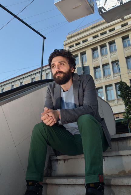Οι μονόλογοι των αστέγων «Στη μέση του δρόμου» | tovima.gr