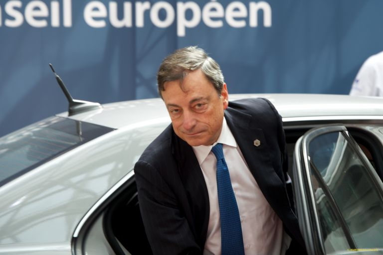 Ντράγκι: Αναγκαία η ελάφρυνση του χρέους | tovima.gr
