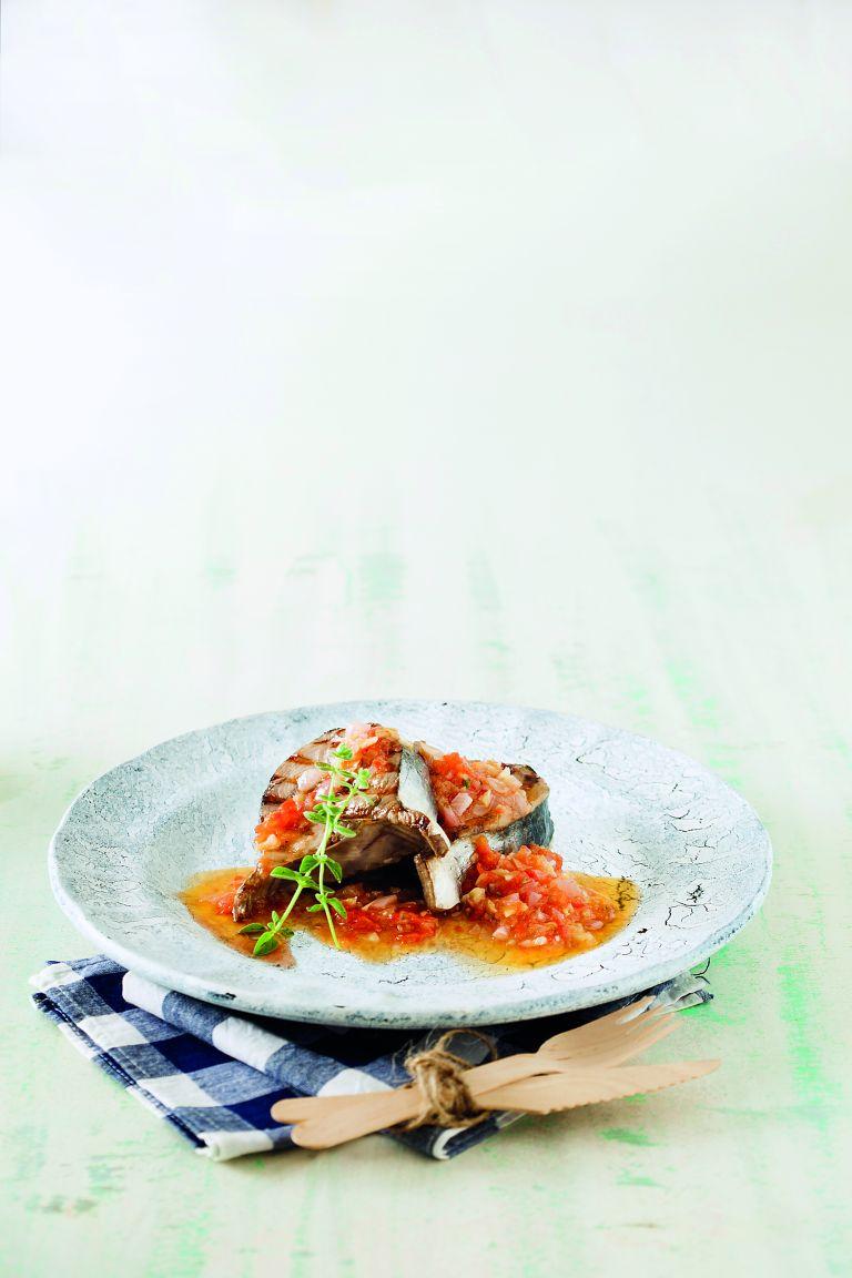 Ψητή παλαμίδα με σάλτσα λαχανικών | tovima.gr