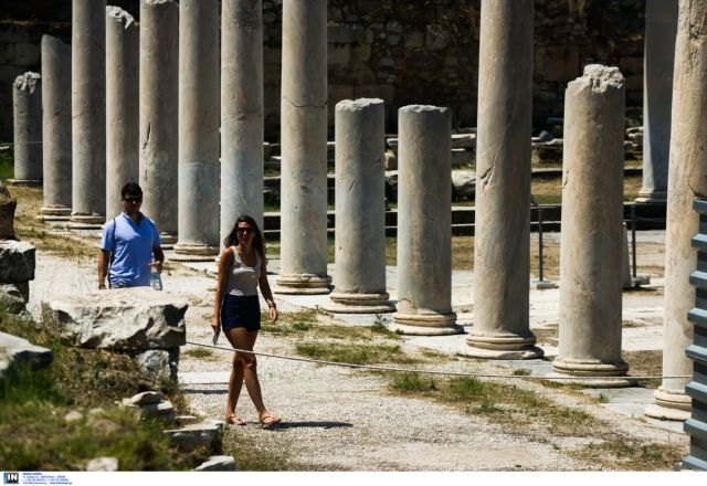 "Tourism in Greece ""taxed double"" in 2016 compared to competitive markets 