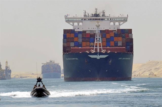 ΕY: Οι προοπτικές της Ελλάδας ως παγκόσμιου ναυτιλιακού και διαμετακομιστικού κέντρου   tovima.gr