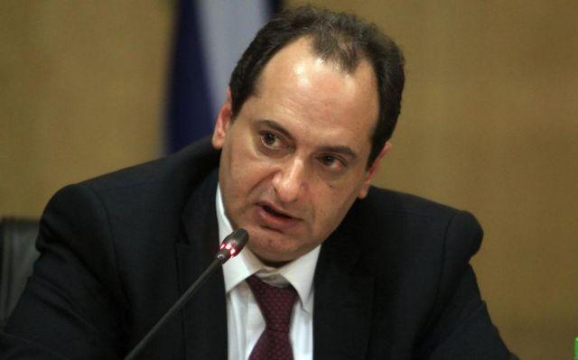 Σπίρτζης: Χειρισμός χαμηλής κοινωνικής ευθύνης από την αεροπορική εταιρεία | tovima.gr