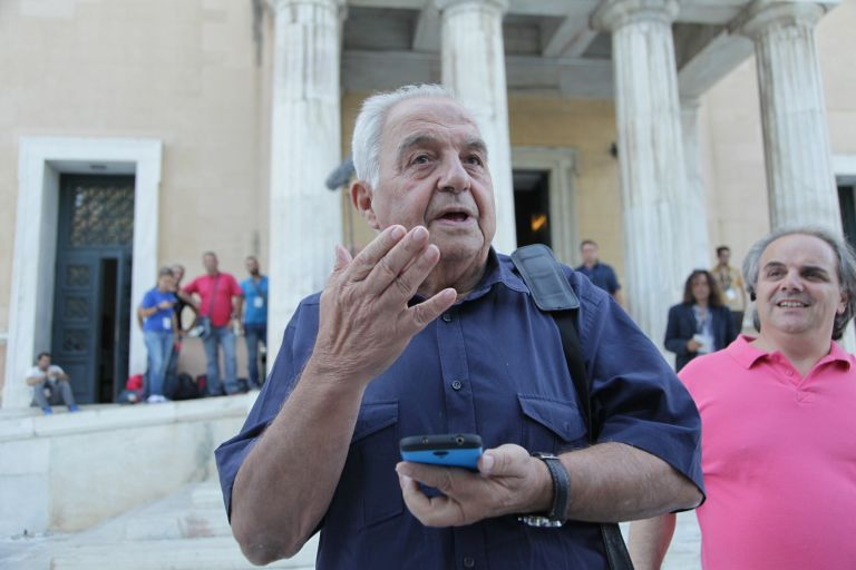 """Flampouraris: """"A smear campaign is carried out against me and SYRIZA"""" 