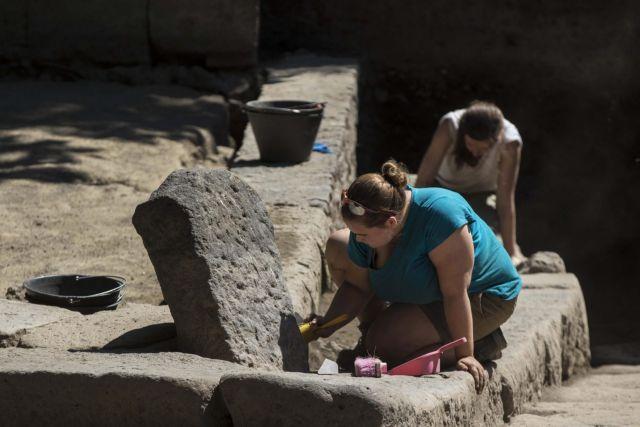 Η άγνωστη Πομπηία: Ανακαλύφθηκε προρωμαϊκός τάφος | tovima.gr