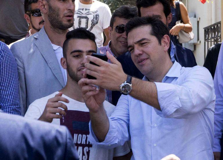 Διαμαρτυρία κατά την άφιξη του Πρωθυπουργού στα Χανιά | tovima.gr
