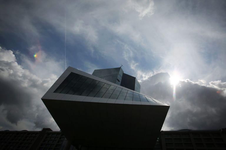 Γερμανοί οικονομολόγοι κατά ΕΚΤ για τα χαμηλά επιτόκια   tovima.gr