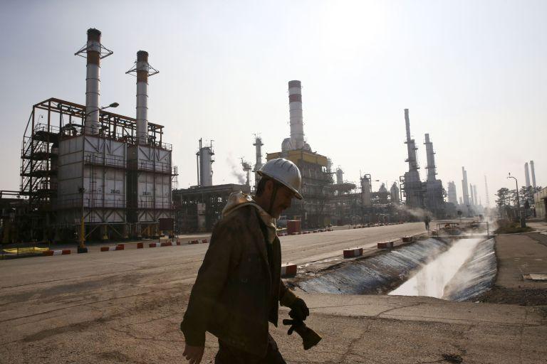Ξένες εταιρίες για επενδύσεις στον πετρελαϊκό τομέα προσκαλεί το Ιράν | tovima.gr