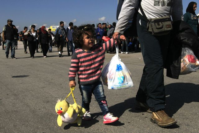 Over 7,000 refugees and migrants to arrive in Piraeus | tovima.gr
